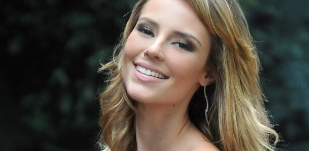 """Paola Oliveira estará no elenco da próxima novela das 21h que substitui """"Salve Jorge"""""""