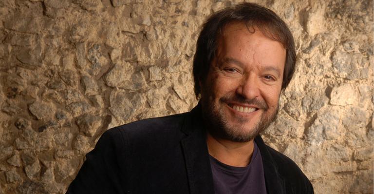 O diretor Wolf Maya é quem recrutou os atores de sua escola na capital paulista