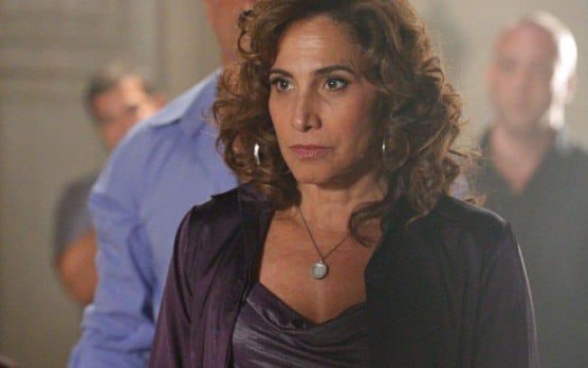 """Em """"Salve Jorge"""", Wanda ouve Morena confirmar sua gravidez"""