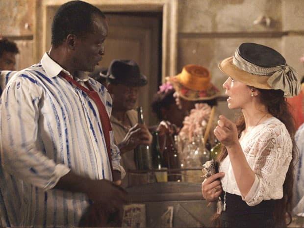 Laura descobre que Edgar é Antônio Ferreira