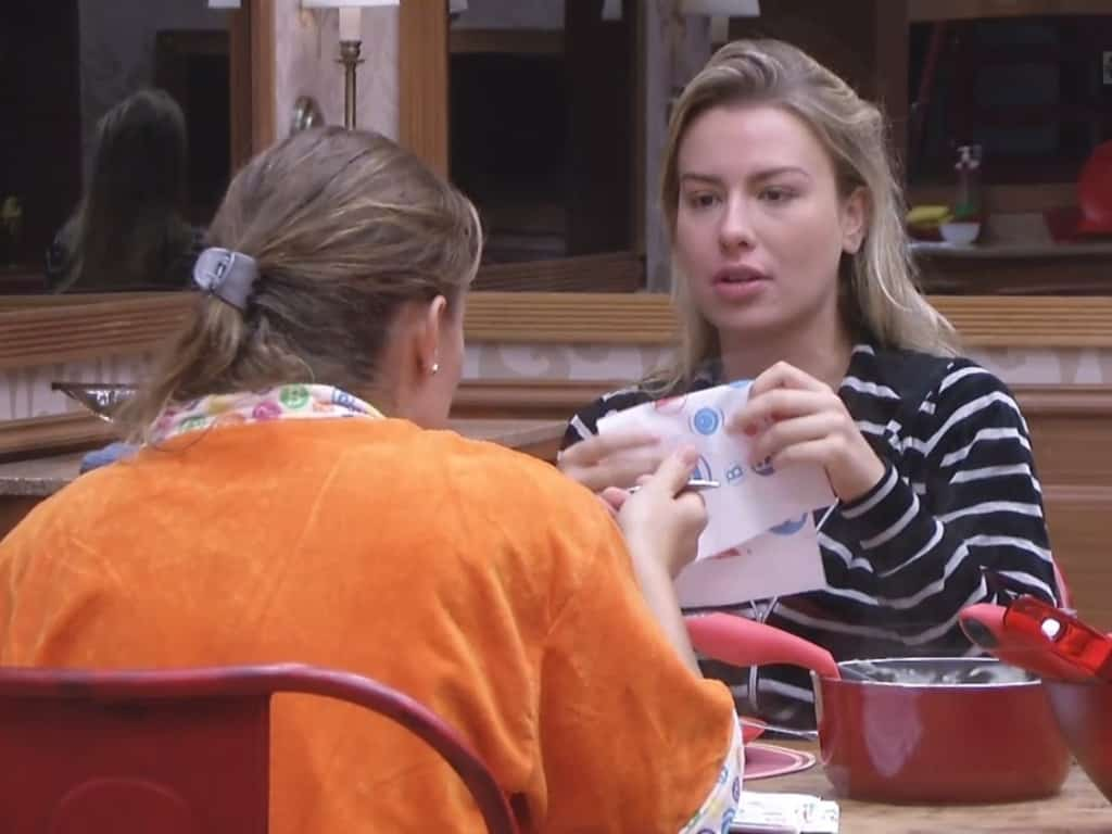 Fernanda e Nati disputam vaga na final do programa