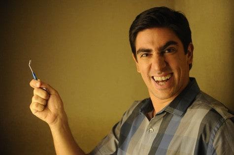 Nova série com Marcelo Adnet estreia dia 5 de abril