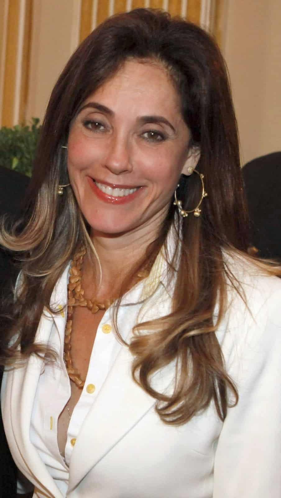 Christiane Torloni quer descansar imagem