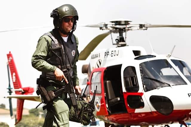 """""""Águias da Cidade"""" tem helicópteros como cenário"""