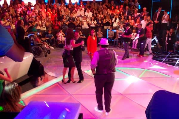 Ivete Sangalo tira Silvio Santos para dançar