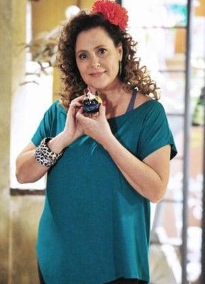 Márcia (Elizabeth Savalla)