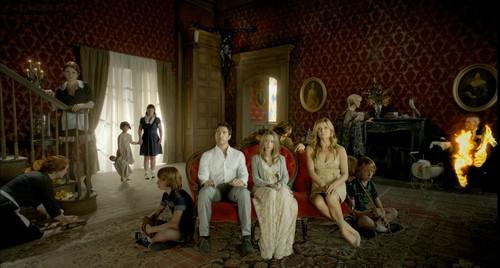 """""""American Horror Story"""" é renovada para a quarta temporada"""