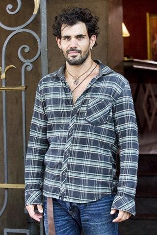 O ator Juliano Cazarré