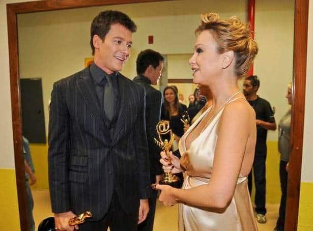 Rodrigo Faro e Eliana nos bastidores do Troféu Imprensa