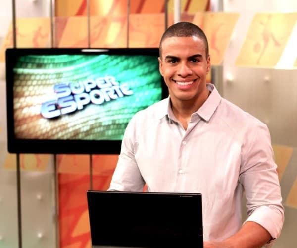 """Thiago Oliveira apresentou o """"Super Esporte"""""""