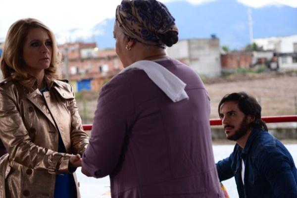 Pamela fica chocada com previsão de Dona Olinda