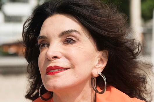 A atriz veterana Lady Francisco
