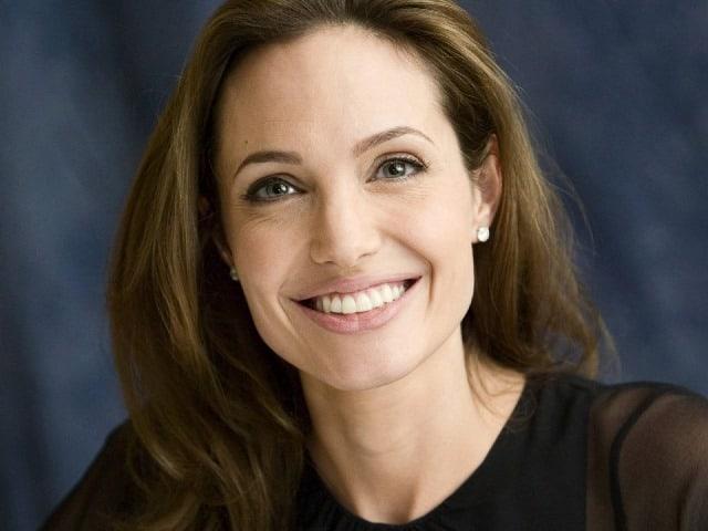 Angelina Jolie contesta acusações de casting infantil controverso
