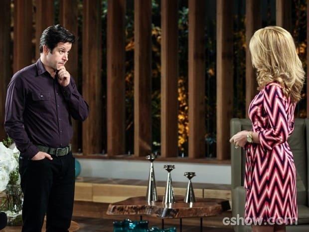 Jonas (Murilo Benício) cara a cara com Pamela (Cláudia Abreu)