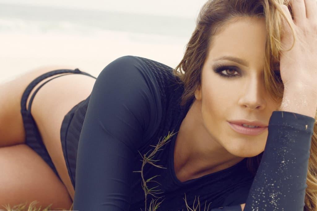 Renata fan ensaio sensual