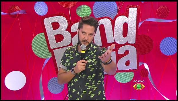 """André Vasco quase anunciou o """"SBT Folia"""" no Carnaval da Band"""