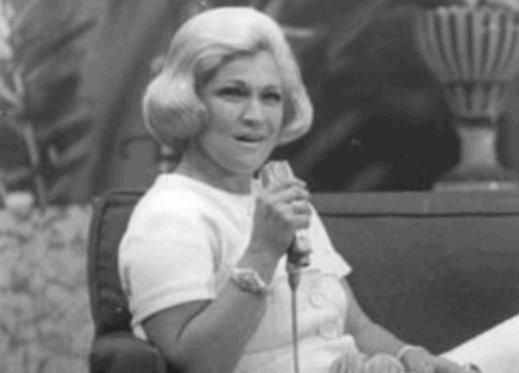 Hebe apresentado programa que levava seu nome na Record, em 1968