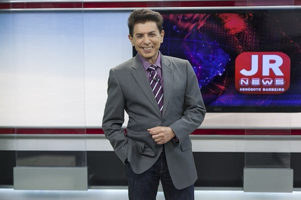 "Heródoto Barbeiro comanda o ""Jornal da Record News"""
