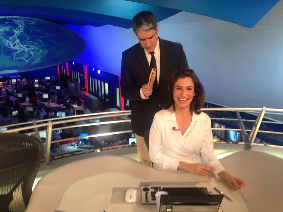 "William Bonner e Renata Vasconcellos se divertem no ""JN"""