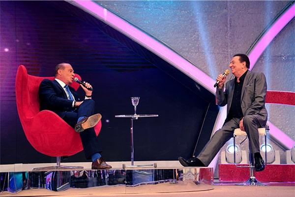 """Marcelo de Carvalho é sabatinado no """"Programa Raul Gil"""""""