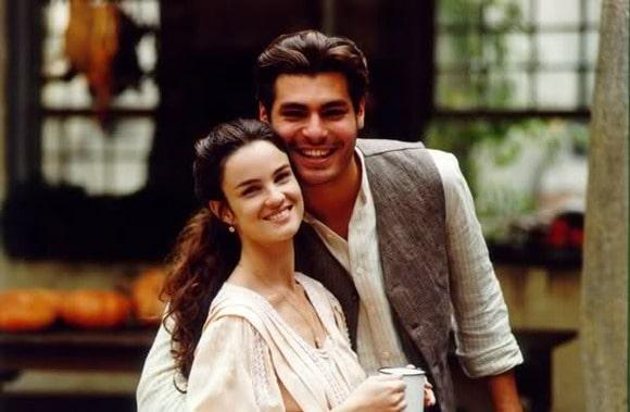 """Carolina Kasting e Thiago Lacerda, como Rosana e Matteo, em """"Terra Nostra"""" (1999)."""