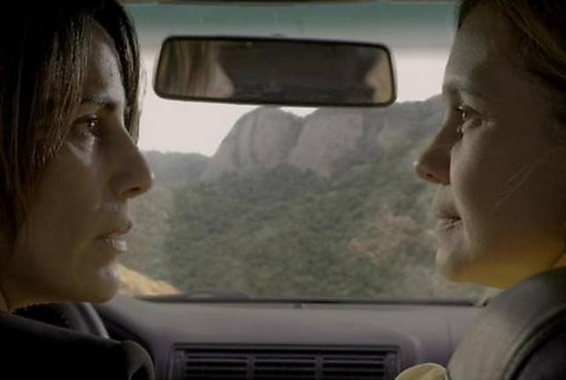 """Beatriz (Gloria Pires) e Inês (Adriana Esteves) morreram no último capítulo de """"Babilônia"""""""