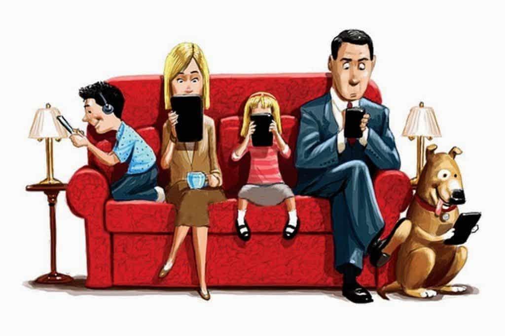 Muitos trocaram a TV pelos tablets e celulares