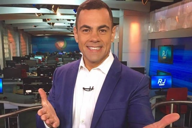 """Jornalista """"bonitão"""" do Rio de Janeiro, Tino Junior deve assumir telejornal matinal da Record."""