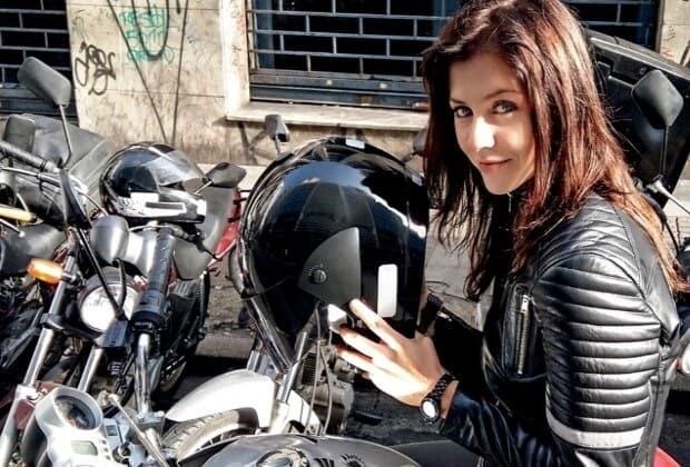SBT anuncia estreia da série A Garota da Moto