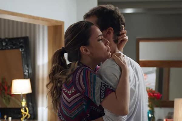 Bruna convence Giovanni a fugir do país com ela