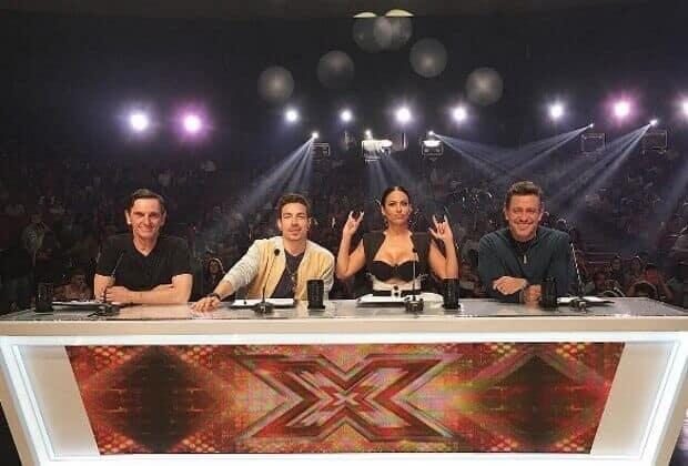 Band descobre erro de estratégia e culpa jurados por baixa audiência do X Factor Brasil