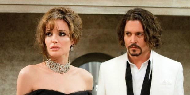 Johnny-Depp-estaria-consolando-Angelina-Jolie-após-separação-diz-jornal-620x348