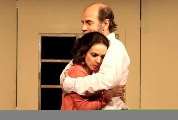 No teatro, Miriam Freeland atua com o marido, o ator e diretor Roberto Bomtempo