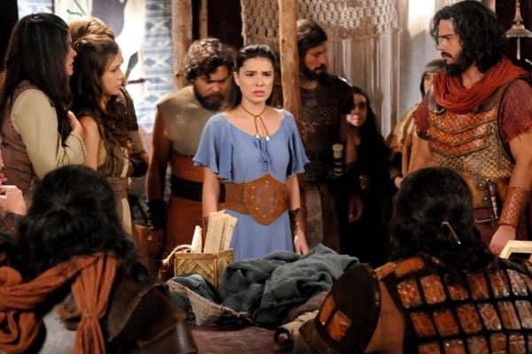 Farsante confessa que não é a verdadeira mãe de Aruna