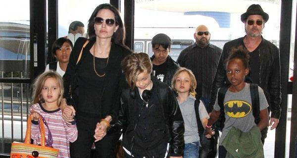 Angelina-Jolie-consegue-guarda-temporária-dos-seis-filhos