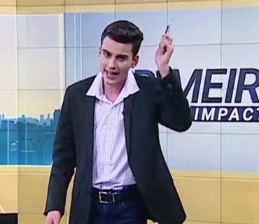 """Após dançar sertanejo, Dudu Camargo encerra """"jornal"""" ao som de """"Bumbum Granada"""""""