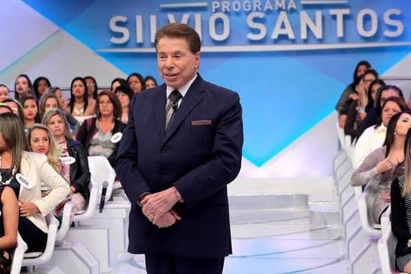 Silvio Santos precisou tirar tumor na testa antes dele embarcar para férias em Orlando, nos Estados Unidos