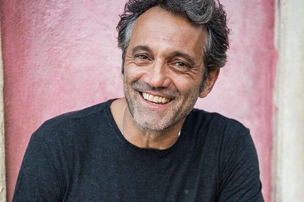 """Domingos Montagner ganhou o prêmio de melhor ator pelo papel de Santo em """"Velho Chico"""""""