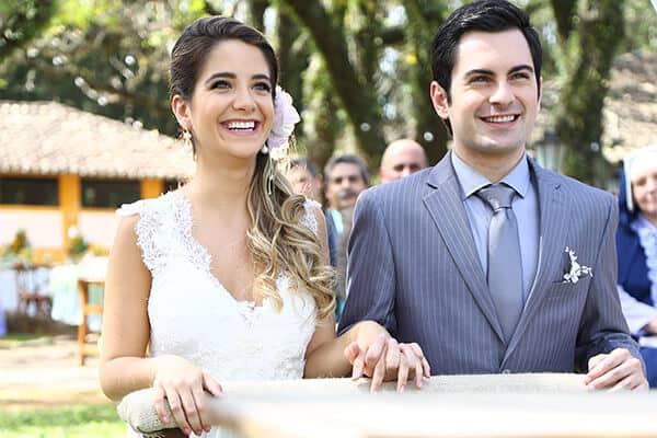 """Beatriz e Ricardo se casam, nos próximos capítulos de """"Carinha de Anjo"""""""