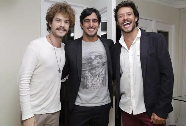 """Elenco de """"Os Dias Eram Assim"""" fazem festa na estreia da supersérie"""