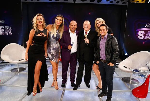 """Carlinhos Vidente faz previsões assustadoras no """"Programa Raul Gil""""; veja o vídeo"""