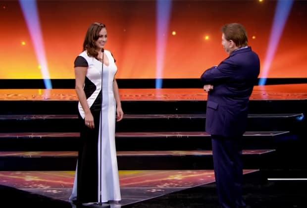 """No """"Troféu Imprensa"""", filha de Silvio Santos pede aumento e apresentador desconversa"""