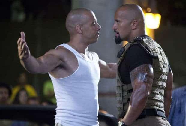 """Vin Diesel e The Rock brigam feio e precisam ser separados em lançamento de """"Velozes e Furiosos 8"""""""