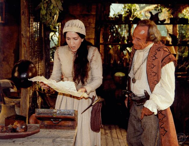 """Yoná Magalhães e Stenio Garcia deixaram """"A Padroeira"""" para atuarem em outras produções."""