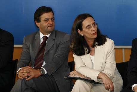Irmã de Aécio Neves é hostilizada por repórteres após pedir cabeça de diretor da Globo