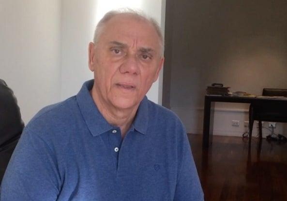 Marcelo Rezende viaja com filha para novo retiro espiritual