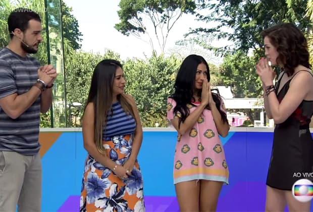 """Simone e Simaria comemoraram a ida delas para o """"The Voice Kids""""."""