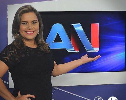 Afiliada do SBT na Bahia demite âncora de principal telejornal após 24 anos