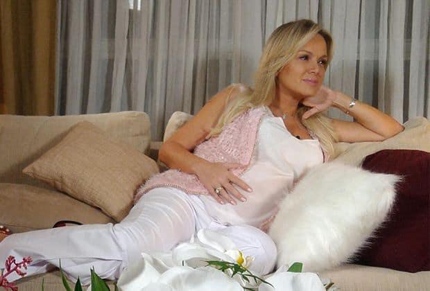 Começo a sonhar com um parto feliz — Eliana comemora