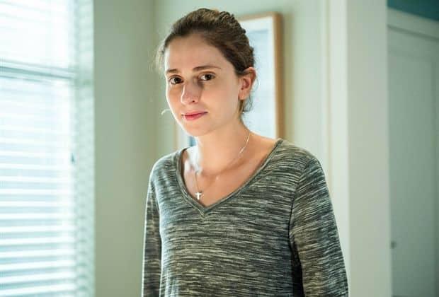 Carol Duarte revela que mãe ficou sentida com corte de cabelo para novela